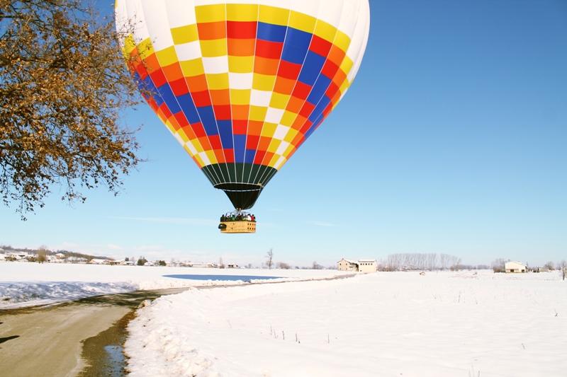 balloon landing on the road