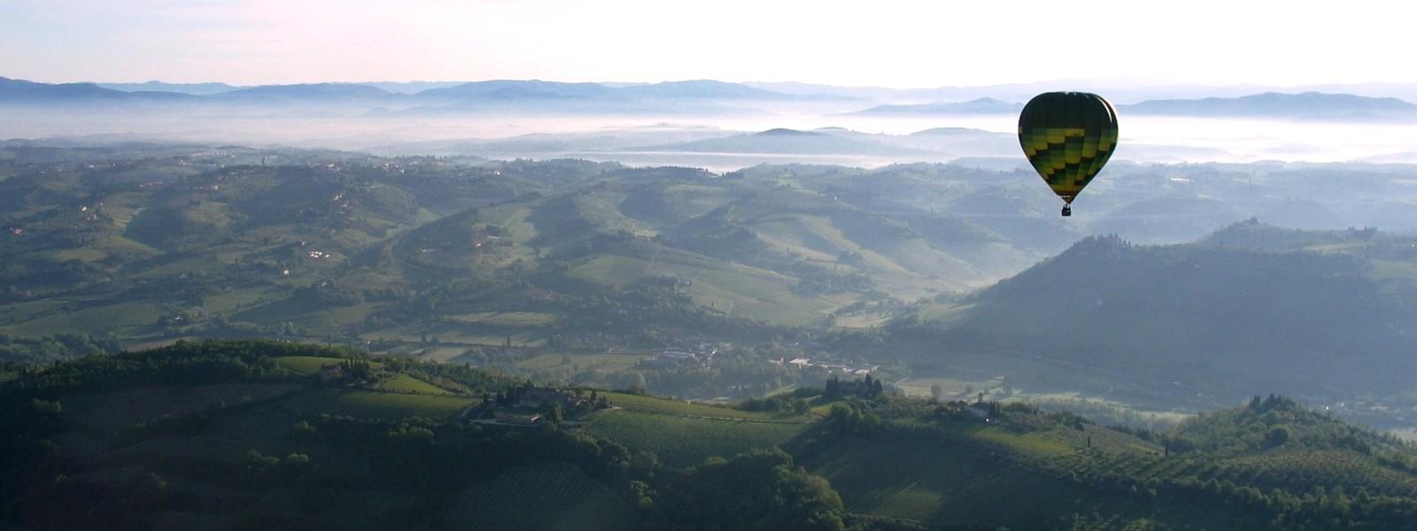 Hotair ballooning in Tuscany, Florence, Siena, Italy
