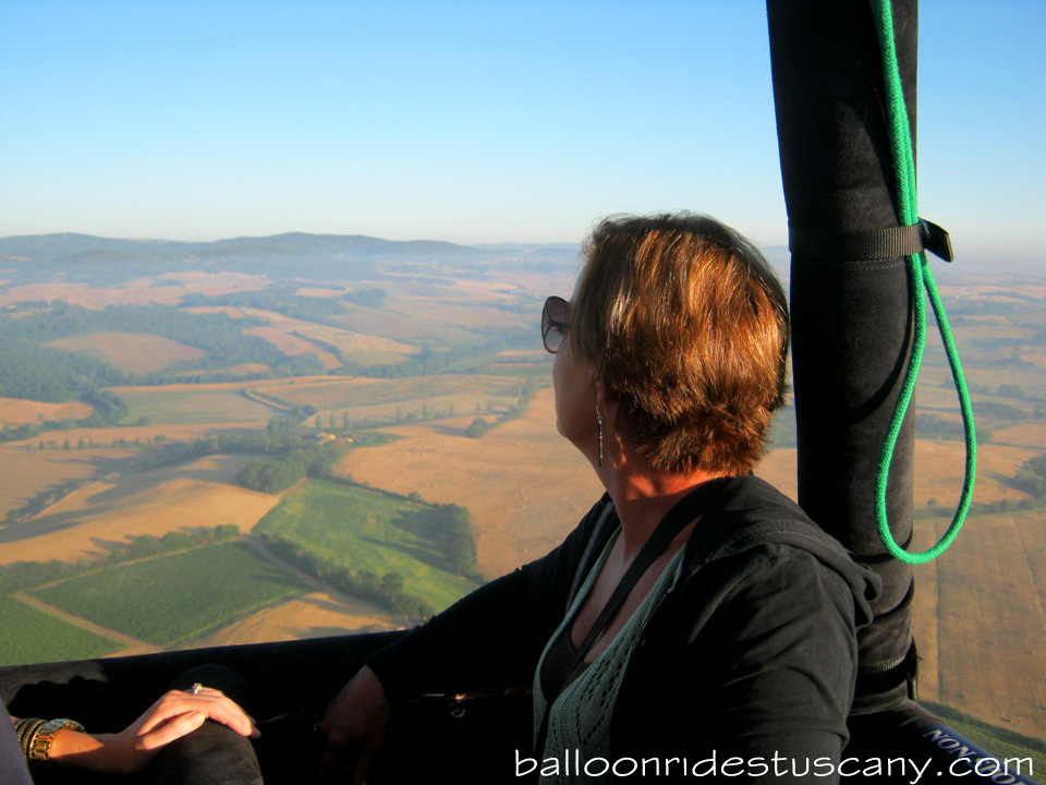 balloonin over the Crete Senesi