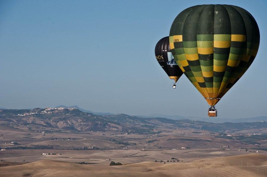balloons towards Montescaglioso