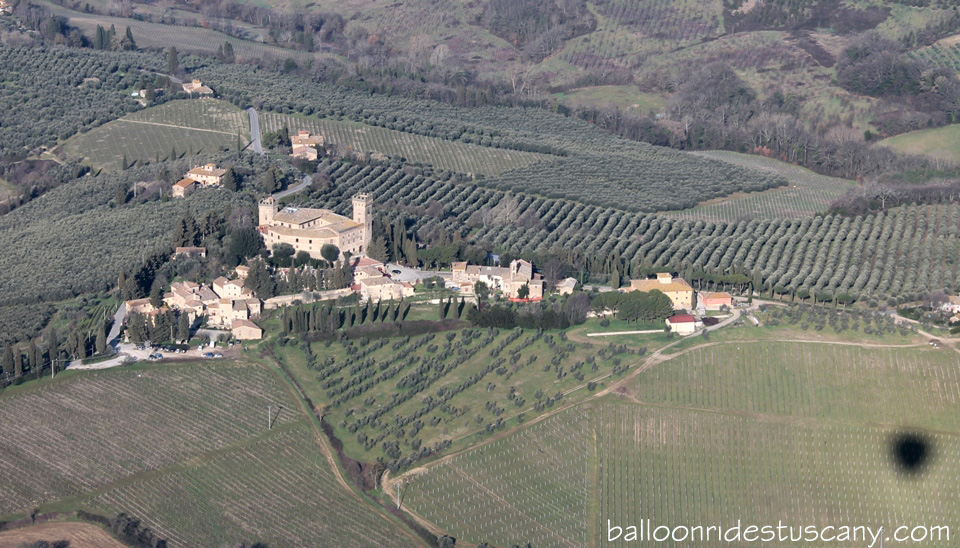 Castello-di-poppiano-from-balloon