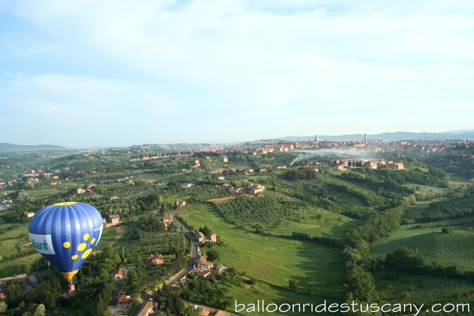 Balloon takeoff mear Siena