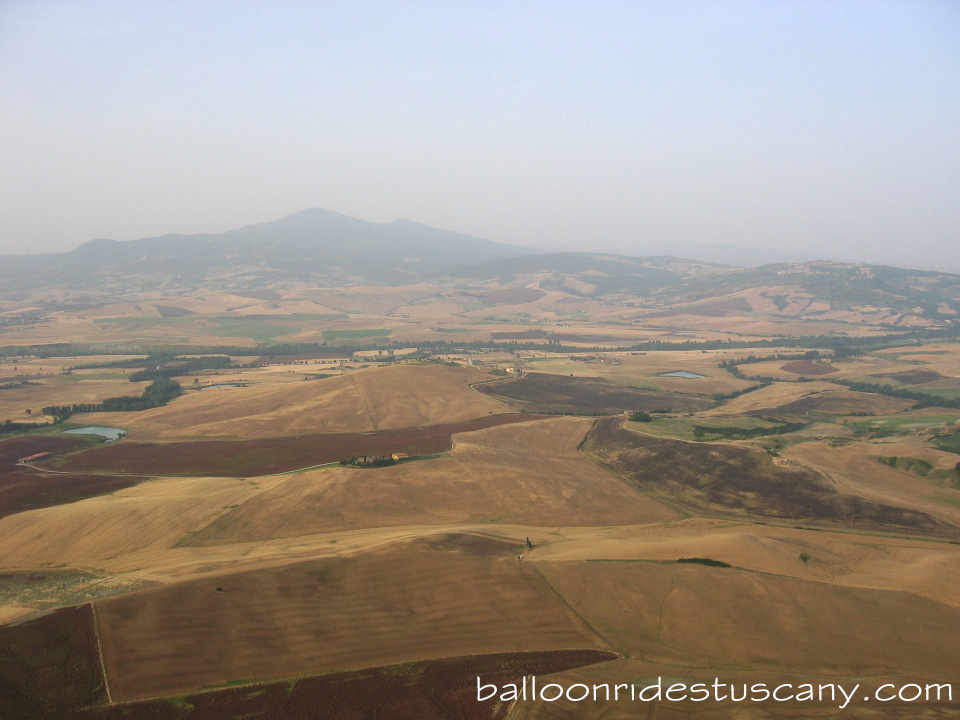 Val d'Orcia ballooning in summer
