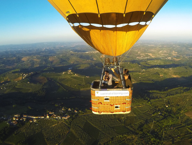 Private-Privilege-balloon-flight-tuscany